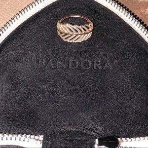 Pandora 'Light as a Feather' Sz 8 Ring